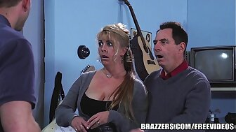 Brazzers - Chloe Addison gives Harry a easy impersonate