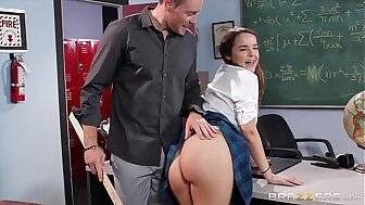 Brazzers - Mouldy Crammer cookie Dillion Harper loves weasel words