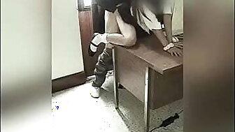CÁMARA Graba a Manager Y ALUMNA en aloofness Oficina del Colegio! Colegiala Mexicana se DEJA FOLLAR por el PROFE por una MEJOR CALIFICACIÓN! Pellicle Bungler Real! (Segunda Parte)