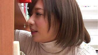 https://bit.ly/3fYw4Td 偶然見かけた貧乳女子がまさかのノーブラ!?見られる事に興奮した彼女の敏感乳首はビンビンに立っていて…第2弾 パート1
